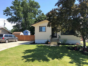 Three Bdrm HOME in desirable neighbourhood-Portage la Prairie
