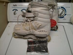 trick blade's size 8. retail for $249+ selling for $60 London Ontario image 1