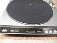 """REALISTIC AUTOMATIC TURNTABLE 12""""-45"""" SPEEDS 33 & 45"""