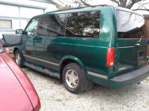 1998 Chevrolet Astro Safari Van. PARTS OR WHOLE