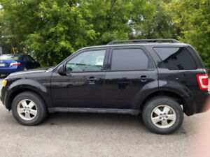Vente rapide 2011 Ford Escape XLT VUS
