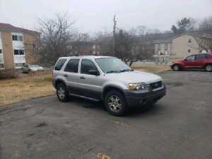 2005 Ford Escape XLT 4WD only 144500km!
