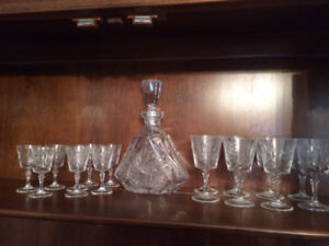 Pinwheel Crystal Wine Glass set with Decanter