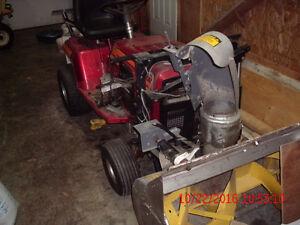 Murray 16 HP snow blower / Souffleuse