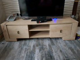 TV bench and 2 livingroom units