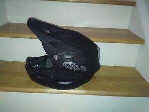Kona Stuff with fullface Giro helmet