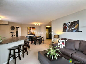 Huge Top Floor Corner unit for sale in Sherwood Park! Strathcona County Edmonton Area image 3