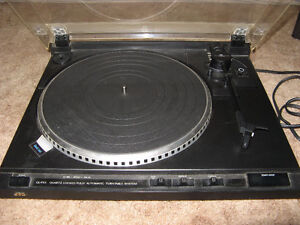 JVC DIRECT DRIVE TURNTABLE !
