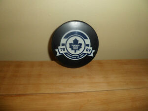 Souvenir Toronto maple leaf hockey Puck