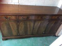 Dark wood sideboard/caninet