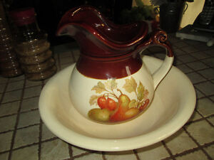 VINTAGE McCOY STONEWARE WATER PITCHER AND BOWL