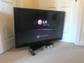 """42"""" 3D TV with free view £200 or offers"""