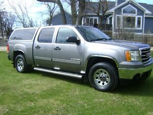 2009 GMC Sierra 1500 SLE Crew Cab ,4X4. Sale Priced, MUST SEE