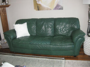 Fine Italian leather couch in great condition!