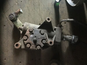 SPRINGS ,DRIVE SHAFT ,REAR END FROM AN INTERNATIONAL 4900 London Ontario image 4