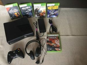 X Box 360 impeccable de 250gig + jeux - 120$