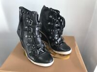 Limited edition Ash boots