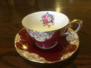 Fine Bone China Teacups & Saucers