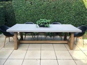 STUNNING VELTIS 8 SEATER DINING TABLE (no chairs)