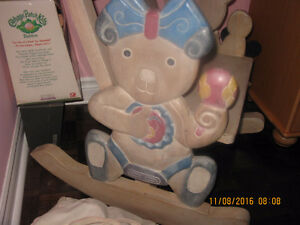 Selling a hand carved teddy bear design rocking chair