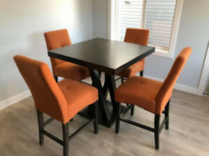 Kitchen table/ Bar table / Dining Table