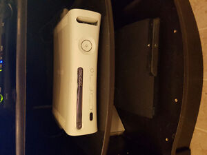 Xbox 360 with games, head set and key board