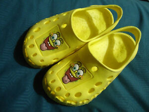 Size 12 Spongebob Square Pants Croc Style Slip on Shoes Kingston Kingston Area image 1