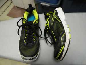 Men's Sneakers - Good Condition - Size 9