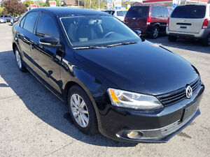 2011 Volkswagen Jetta Sedan LOW Km CarProof and Warranty Avail