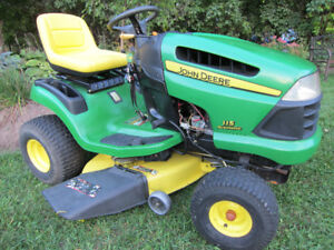"*John Deere *LA115 >> 19hp >> 42"" Deck >> Automatic >> Like NEW!"