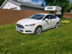 2016 ford fusion 2300KM damaged