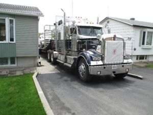 Beau camion en excellent condition  Kenworth 2006 W900L