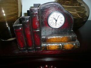 Cache pot avec tiroir et mini horloge