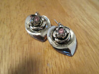 VINTAGE STAINLESS STEEL FLORAL EARRINGS     $10.00