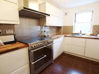 **GREAT LOCATION**Stoke Newington Albion Rd, 2 SPACIOUS DOUBLE ROOMS, modern kitchen, good standard