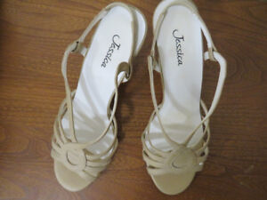 Jessica Woman's Leather Sandals Size 6