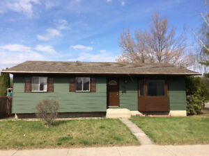 House flipping opportunity in Saskatoon, Confederation Park.
