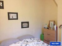 Choice of Double Rooms   Shoreditch   please call +447572 528 106 (11am--8pm Monday to Saturday)