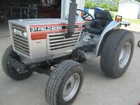 1987 White field Boss 31 with 31horsepower 4 wheel drive tractor