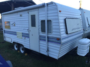 19' Camping Travel Trailer