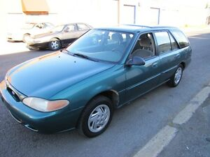 1997 Ford Escort LX *AUTOMATIQUE 4 cylindres 2 litres 117,000 km