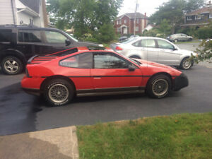 Antique 1986 Pontiac Fiero
