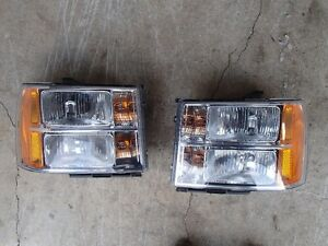 GMC Sierra Headlamps