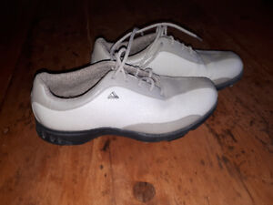 Women's size 7 Adidas golf shoes. Like new.
