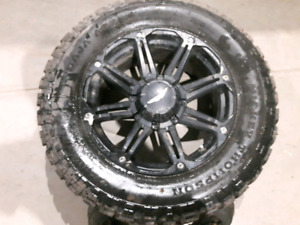 35 inch Mickey Thompson m/ts on 20×9 eagle alloy rims