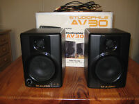 M Audio AV30 Studio Pro Monitor Speakers