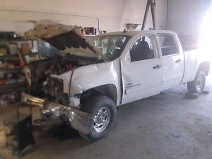 2007.5 gmc  2500 diesel rolling chassis