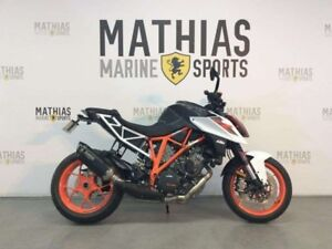 2017 KTM 1290 SUPER DUKE R 1 WHITE