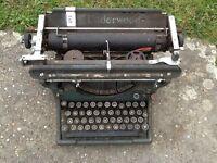 Vintage underwood typrewriter