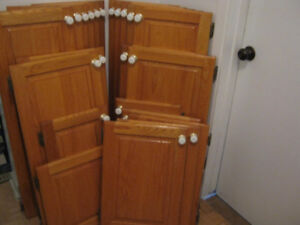 Portes d'armoires de cuisine chêne (31) AUBAINE